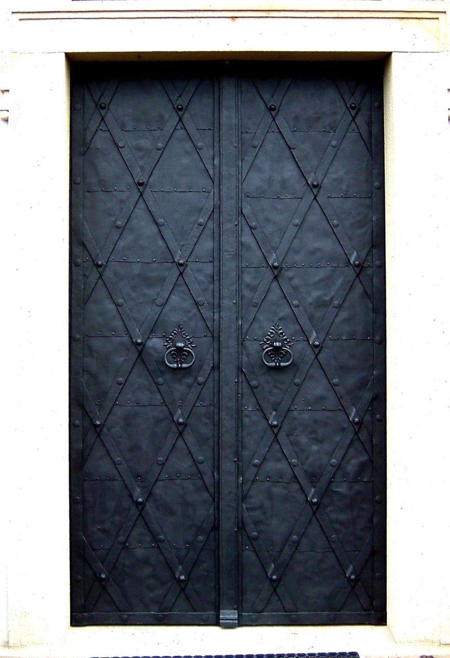 Dvoukřídlové dveře